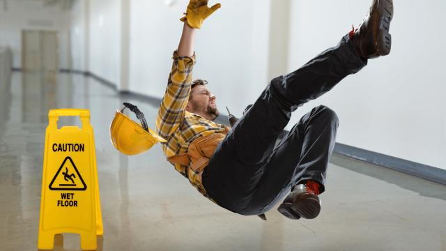 نکاتی برای جلوگیری ازسقوط اشیا، لیز خوردن و زمین خوردن در محیط کار